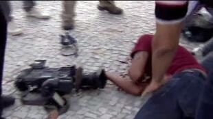 A morte cerebral do cinegrafista da TV Bandeirantes Santiago Ilídio Andrade, de 49 anos, foi anunciada pela Secretaria Municipal da Saúde do Rio.