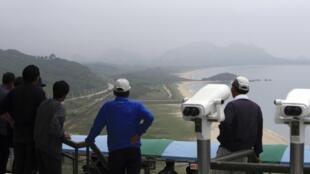 Vùng biên giới giữa hai miền Triều Tiên, gần 300 cây số phía đông bắc Seoul