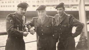 Bernard Le Mens et ses copains partent faire leur service militaire en Algérie en 1958.