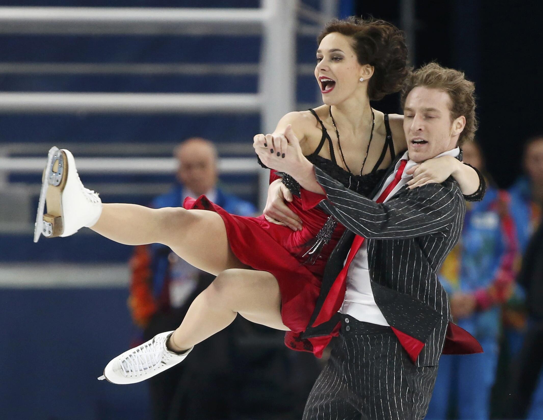 Танцевальная пара из Франции Натали Пешала-Фабьен Бурза в Сочи 8 февраля 2014
