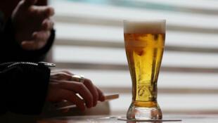 世卫警告:喝酒每年夺走全球300万条人命