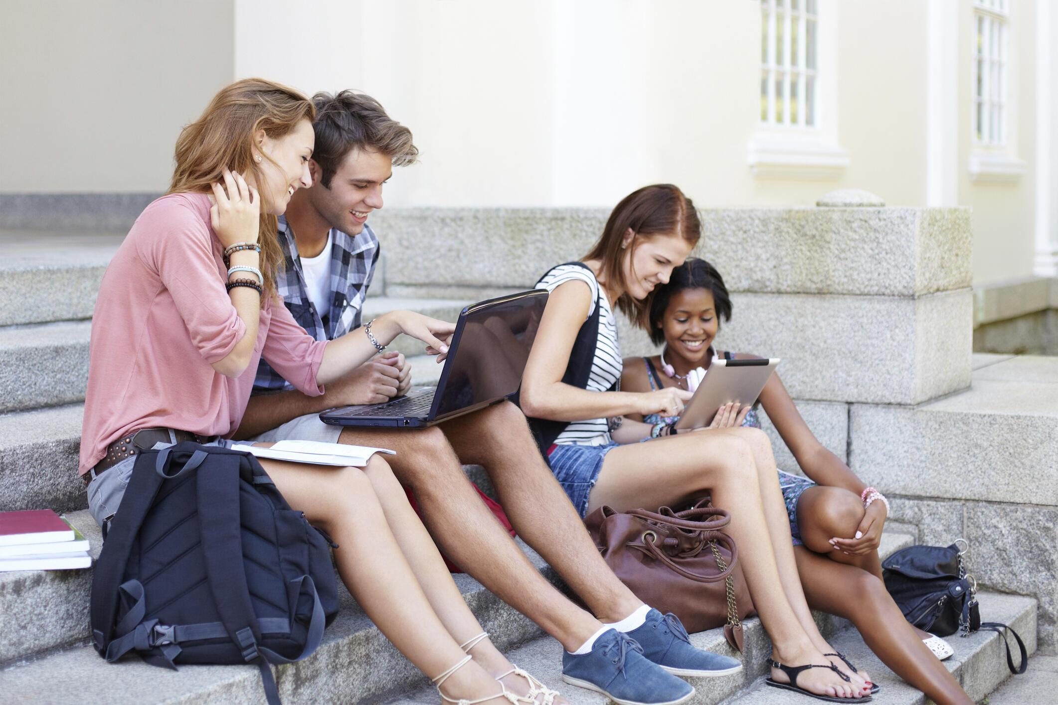Médias d'information, où sont les jeunes ? La question est aujourd'hui cruciale.
