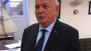 Monsieur Bernard Prezelin.