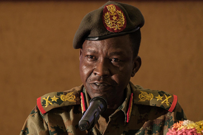 Msemaji wa Baraza la Jeshi la Mpito Shams-Eddin Kabashi katika ikulu ya rais, Khartoum, Juni 23, 2019.