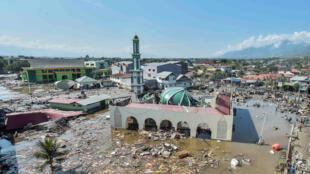 Thành phố Palau, Indonesia nhìn từ trên cao, sau thảm họa động đất.