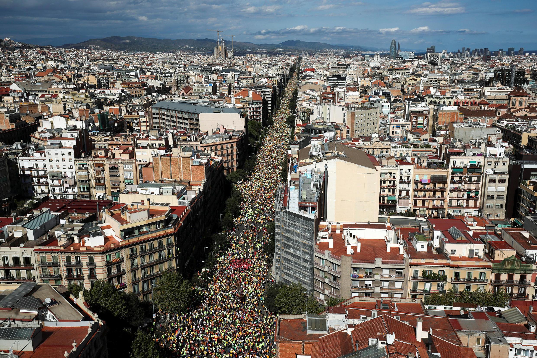 Vus du ciel, les cortèges le 11 septembre 2017 à Barcelone, formaient sur deux artères une gigantesque croix. Une référence au «X» que les indépendantistes comptent inscrire dans la case du «oui» si le référendum du 1er octobre a bien lieu.