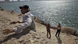 Enfants des rues à Alexandrie, Egypte.