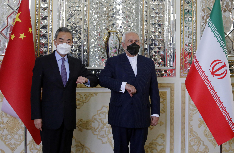 China e Irão assinam acordo histórico.
