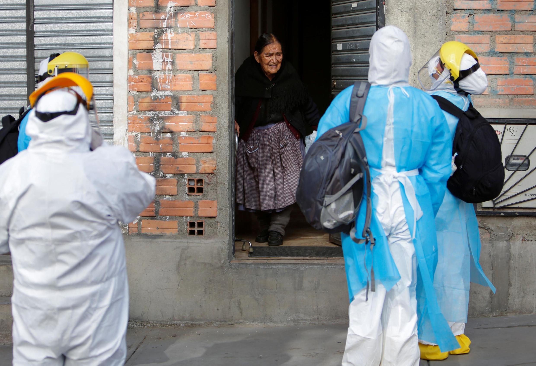 À La Paz, en Bolivie, les professionnels de santé sont surchargés face au pic de l'épidémie de Covid-19.