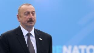 Le président azéri, Ilham Aliyev rencontre ce vendredi 20 juillet Emmanuel Macron à l'Elysée. Le CPT accuse son pays d'avoir recours à la torture et aux violences policières.