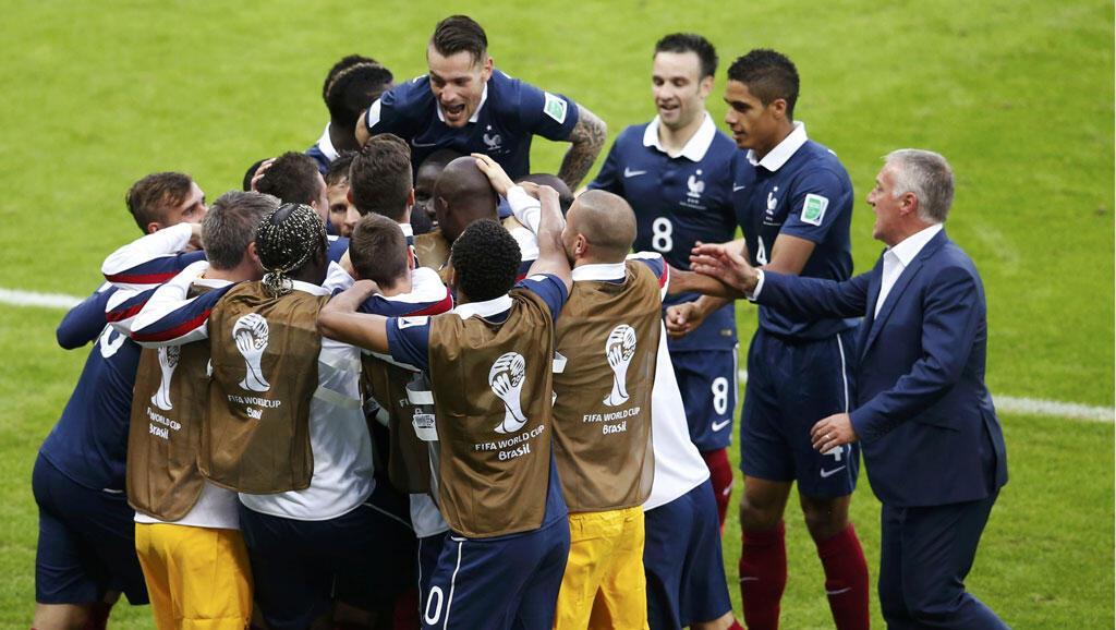 Đội tuyển Pháp trong kỳ thi đấy với đội Honduras, hôm 15/06/2014 - REUTERS /Marko Djurica