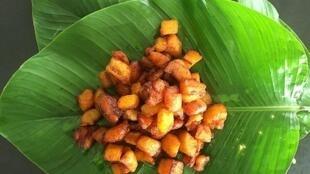L'alloco, un mêt qui se mange sur le pouce en Côte d'Ivoire