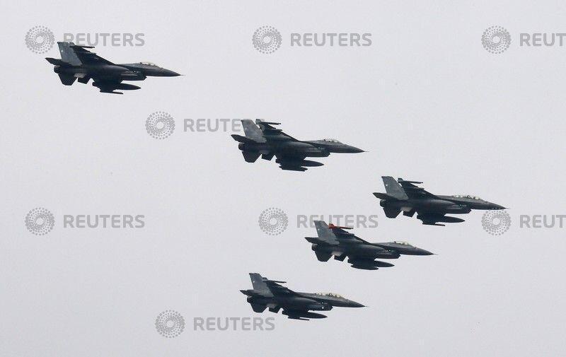 美國F-16戰機群