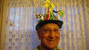 Amrit Daya, 79ans, le plus âgé des bénévoles du Mondial 2010.