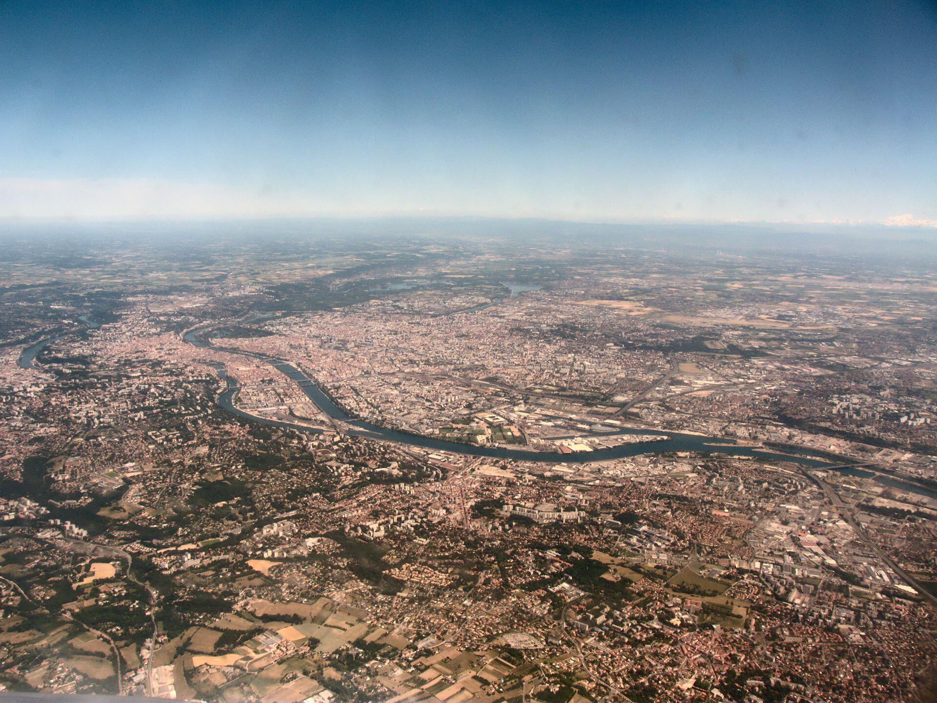 Vue aérienne de l'agglomération lyonnaise.