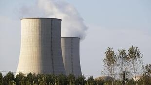 Golfech nuclear plant on the edge of the Garonne river between Agen and Toulouse