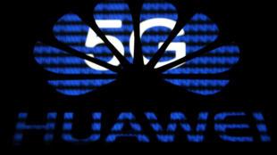 Logo của tập đoàn viễn thông Trung Quốc Hoa Vi (Huawei) quảng bá cho mạng 5G, ngày 12/02/2019.