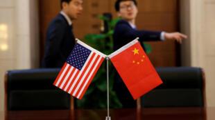 La Chine et les Etats-Unis, les deux premières puissances économiques mondiales, se sont lancées dans une guerre commerciale participant aux inquiétudes des marchés début 2019.