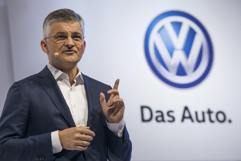 លោក Michael Hornប្រធានក្រុមហ៊ុន Volkswagen Group of America រូបថតថ្ងៃទី ២១កញ្ញា ២០១៥