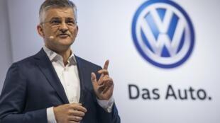 Michael Horn, PCA da Volkswagen nos Estados Unidos, à imprensa a 21/09/15