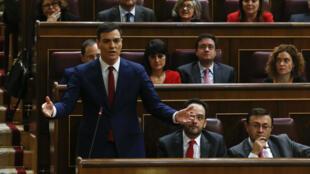 Pedro Sánchez, líder do Partido Socialista espanhol (PSOE), pode ter a posse rejeitada pela segunda vez nesta sexta-feira (4).