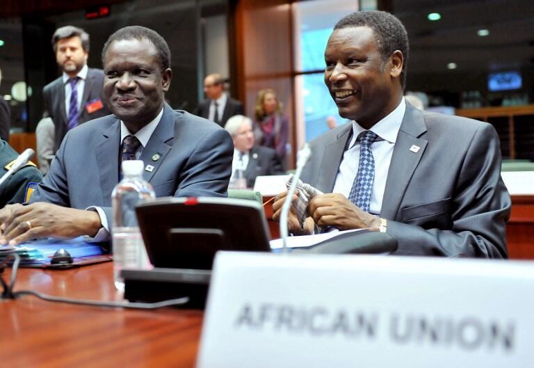 Pierre Buyoya (D), ancien président et haut représentant de l'Union africaine au Mali et au Sahel.