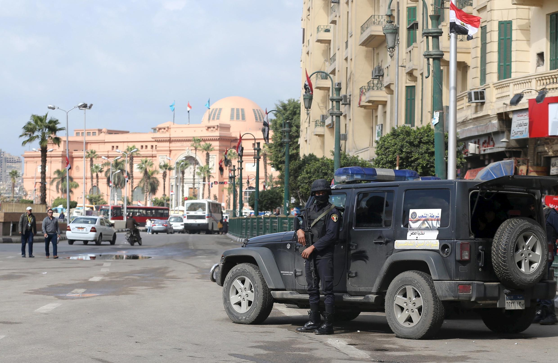 Lực lượng an ninh Ai Cập được triển khai tại quảng trường Tahrir, Cairo, trước ngày kỉ niệm phong trào cách mạng 25/01.