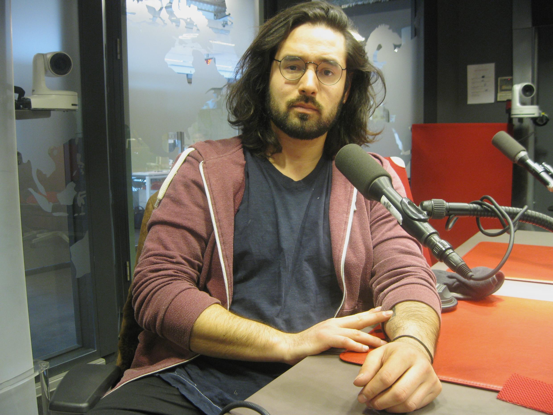 Nicolás Olivares en los estudios de RFI