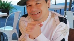 Nam ca sĩ Nguyên Khang, Westminster, Quận Cam, California, Hoa Kỳ. Cảnh chụp ngày 07/02/2021.