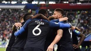 L'équipe de France s'est qualifiée hier soir contre la Belgique (1-0) avec un but du défenseur barcelonais Samuel Umtiti.