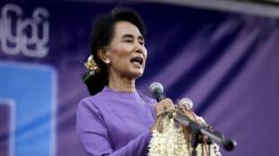 La Birmane Aung San Suu Kyi, à Mawlamyine (Etat Môn) le 16 mai dernier.