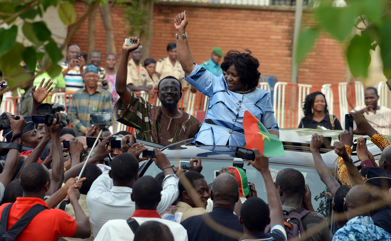 Mariam Sankara, photographiée le 14 mai 2015 à l'aéroport de Ouagadougou à son arrivée.