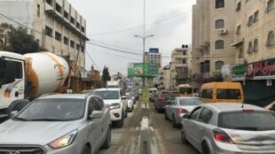 Embouteillage sur la route qui mène de Ramallah à Jérusalem et au sud de la Cisjordanie.