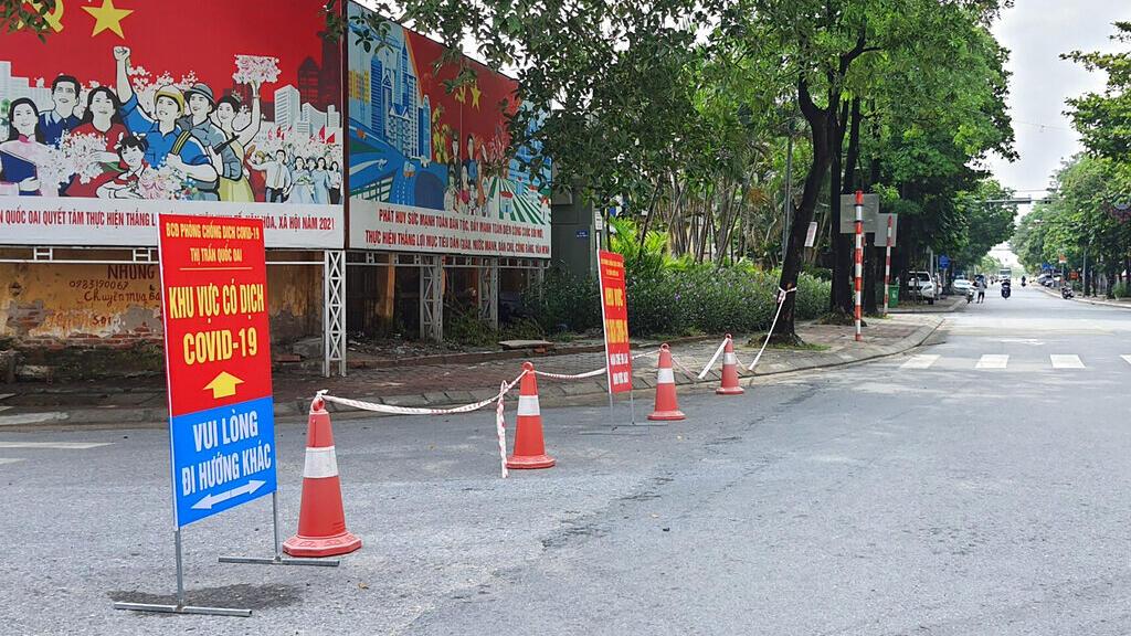 Covid-19: Việt Nam siết chặt phong tỏa các thành phố lớn để ngăn dịch