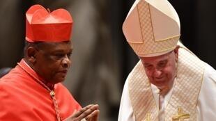 Le cardinal nouvellement nommé Fridolin Ambongo et le pape François le 5 octobre 2019.