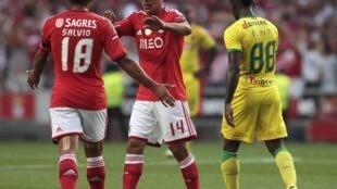 Salvio e Maxi Pereira marcaram os dois golos do Benfica frente ao Paços de Ferreira.