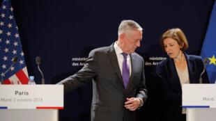 Le secrétaire américain à la Défense James Mattis lors d'une conférence de presse commune avec son homologue française Florence Parly, mardi 2 octobre 2018.