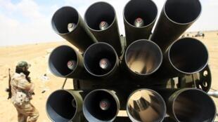Lance-roquettes de type Grad positionné à Ajdabiyah.