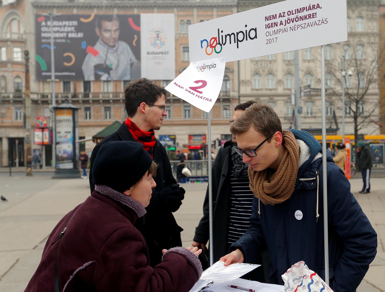 Phong Trào Thời Điểm thu thập chữ ký phản đối tổ chức Thế vận hội Mùa hè 2024 tại thủ đô Budapest, Hungary ngày 15/02/2017.