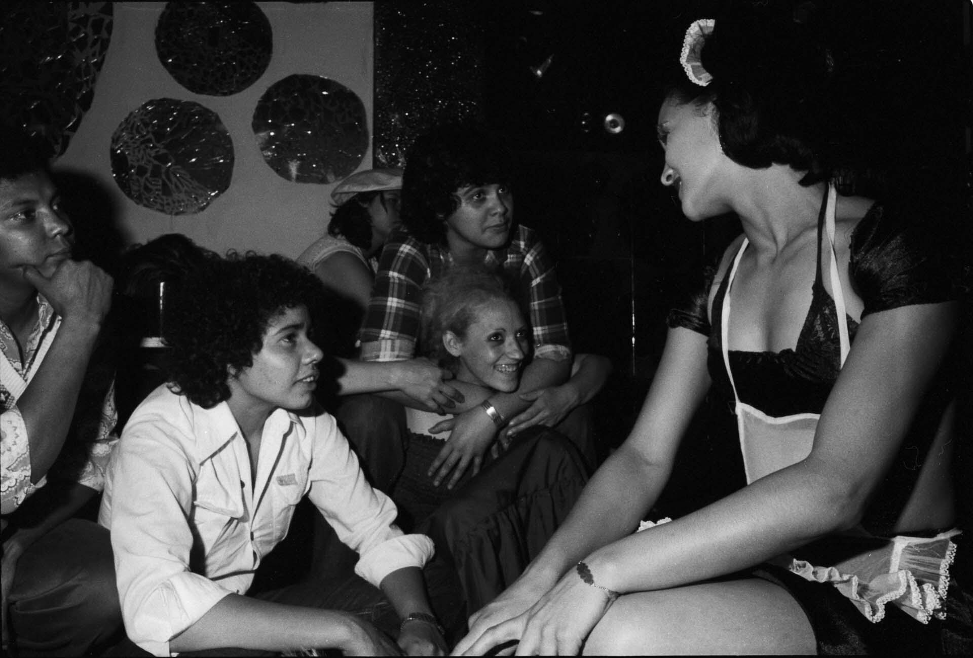 """Da série """"Lésbicas"""" (1976), de Rosa Gauditano."""