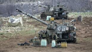 靠近敘利亞邊境的戈蘭高地的以色列士兵 2015. 1 25