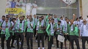 La sélection nationale saoudienne, le 13 octobre 2019 devant l'Association palestinienne de football à Ramallah.