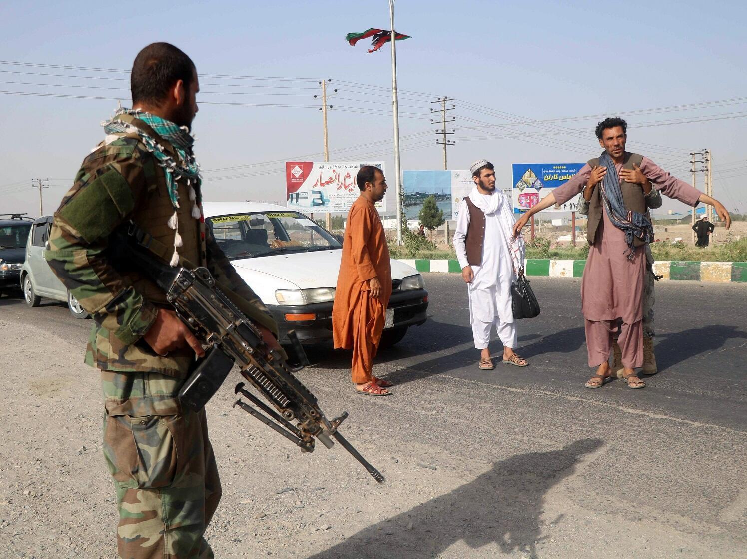 Forces de sécurité afghanes sur un checkpoint dans la province de Hérat, au nord-ouest de l'Afghanistan, le 9 juillet. (Image illustration).