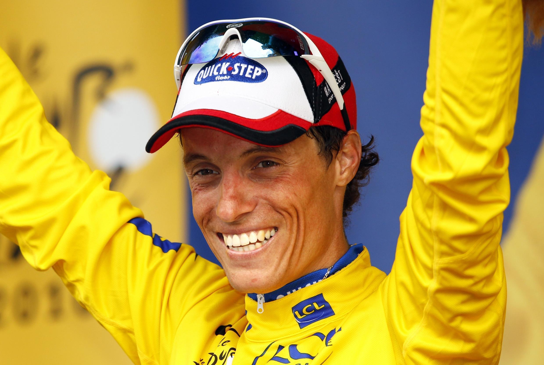 """Новый лидер """"Тур де Франс"""" француз Сильван Шаванель 10 июля 2010"""