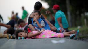 La caravane des migrants centraméricains, entre Huixtla et Mapastepec, le mercredi 24 octobre 2018.