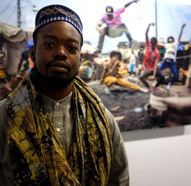 """Siaka Soppo Traoré, photographe et lauréat du prix Orange de l'artiste numérique Akaa avec """"Dans Ce""""."""