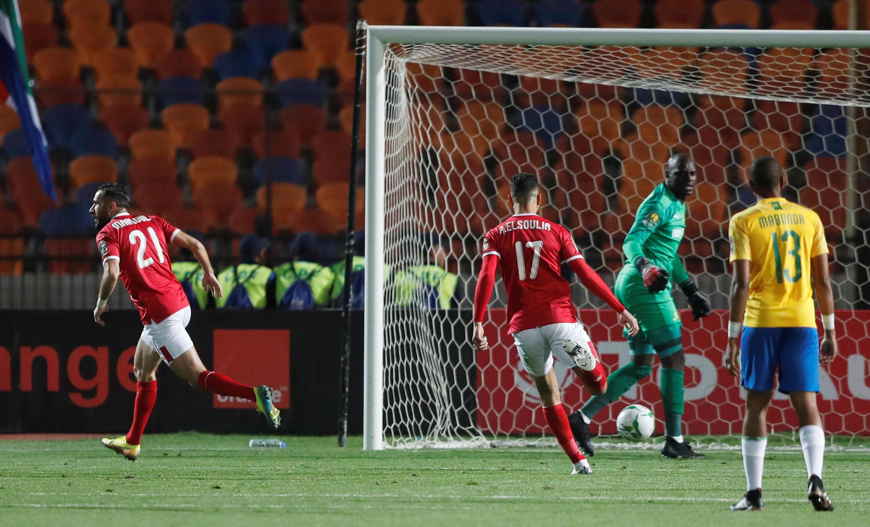 Le Tunisien Ali Maaloul, double buteur lors du succès d'Al Ahly face aux Memelodi Sundowns en quart de finale aller de Ligue des champions, le 29 février 2020.