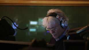George Lang anime «Les Nocturnes» sur RTL, de 23h à minuit, depuis 42 ans.