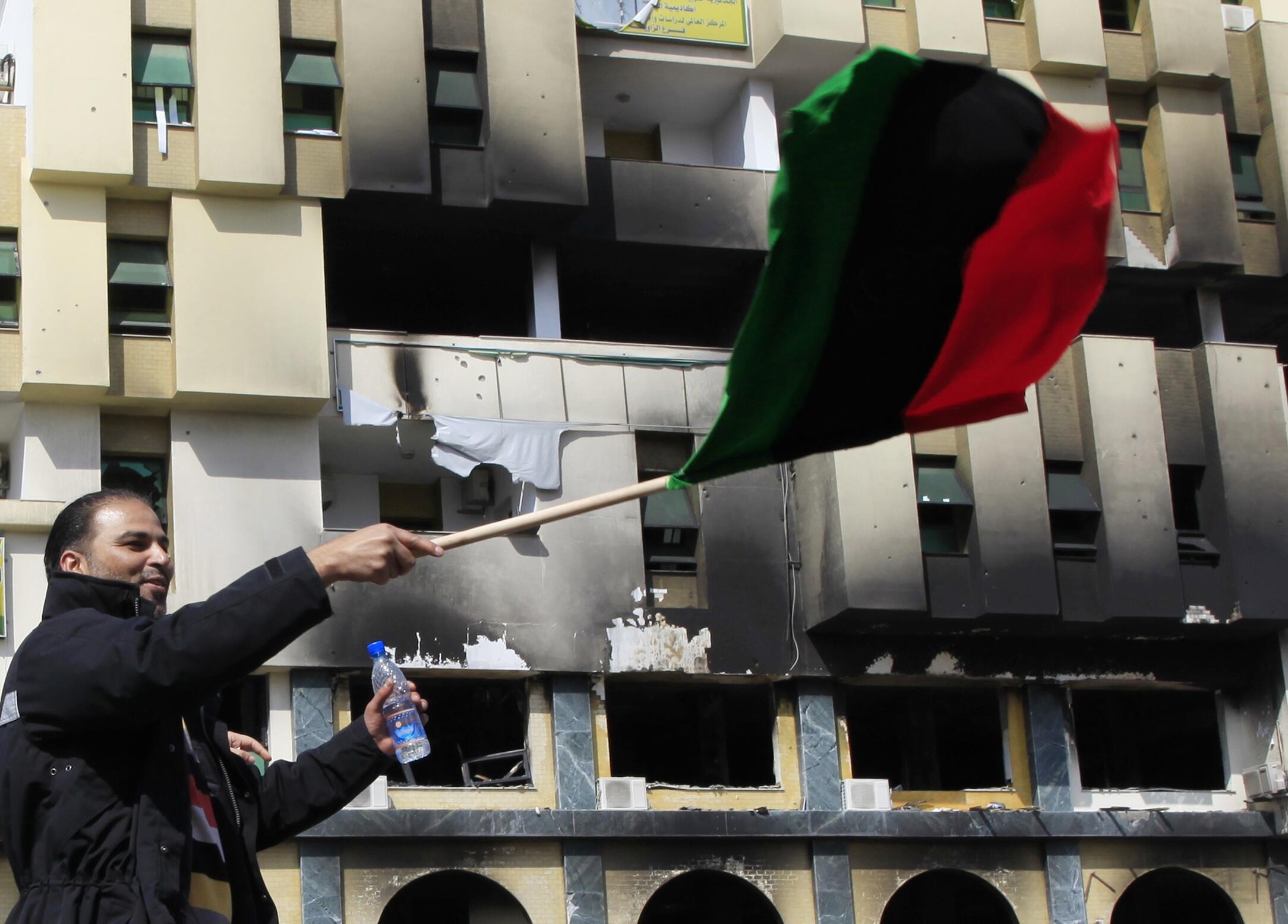 La revolución de Libia sigue extendiéndose por cada rincón del país, esperando marchar sobre Trípoli.