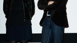 La productrice Sylvie Pialat, ici avec son fils Antoine, lors de l'inauguration de la retrospective sur Maurice Pialat à la Cinémathèque française, le 18 février 2013.